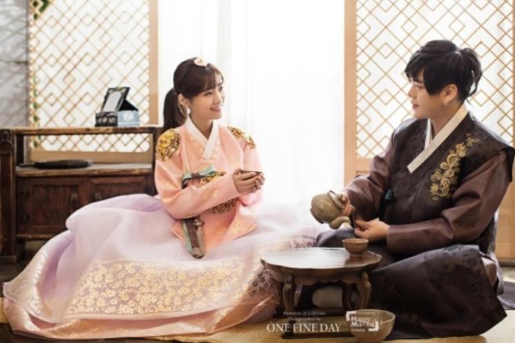 Moon Hee Jun y Soyul de Crayon Pop publican bellas imágenes de la sesión de fotos por su boda