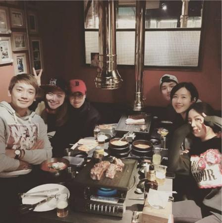 Byul felicita a Rain por su reciente matrimonio con Kim Tae Hee
