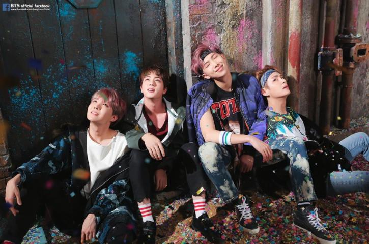 BTS aumenta la emoción de los fans al lanzar un álbum de fotos para su próximo regreso
