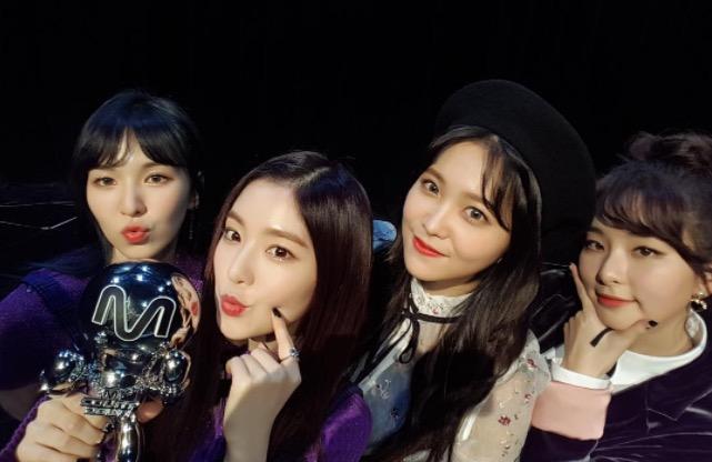 """Red Velvet obtiene tercera victoria con """"Rookie"""" en """"M!Countdown"""" – Presentaciones de NCT Dream, SF9, Niel y más"""