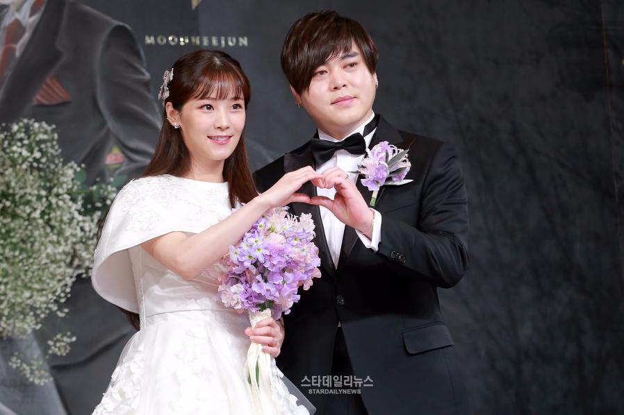 Moon Hee Jun se disculpa y agradece a los fans antes de su boda con Soyul de Crayon Pop