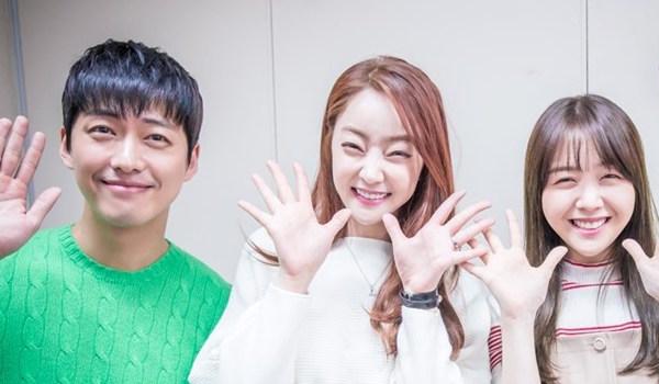 """Las anteriores compañeras Minah de Girl's Day y Seo Hyo Rim envían bebidas de apoyo a """"Chief Kim"""" de Namgoong Min"""