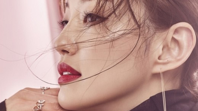 Lee El alaba a Kim Go Eun y a la guionista Kim Eun Sook