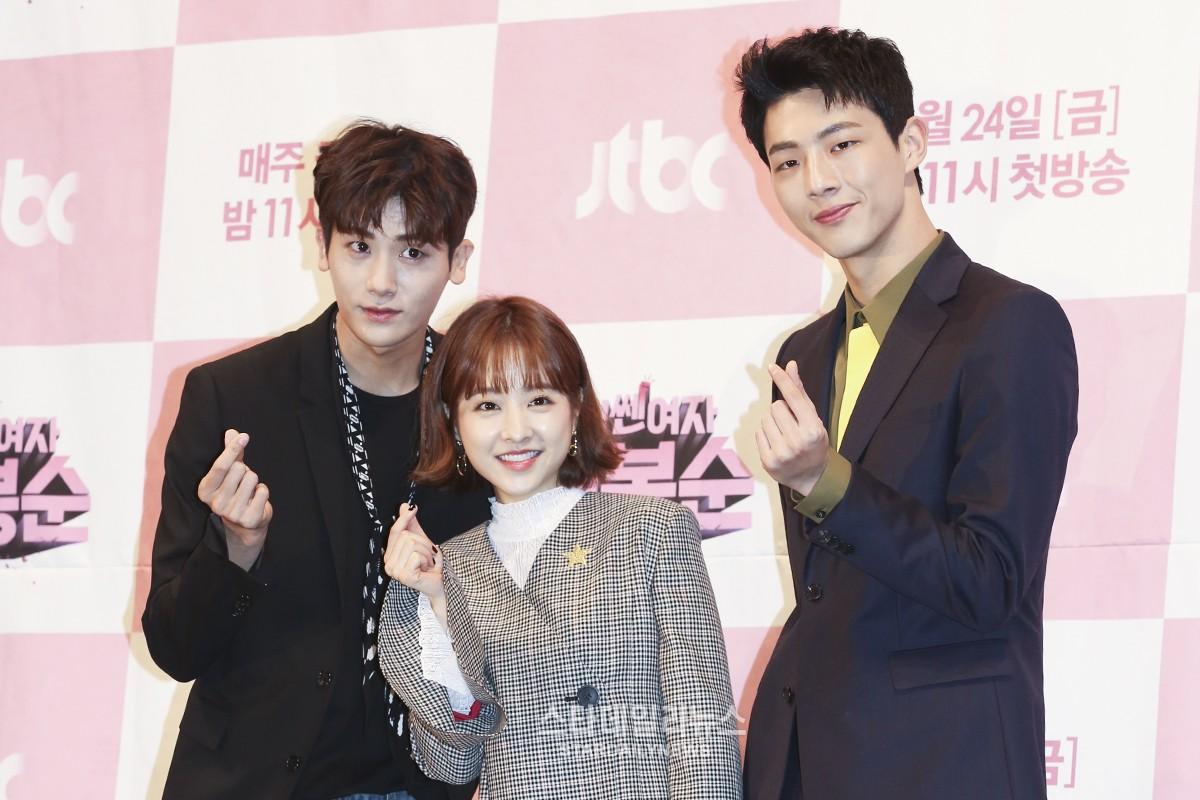 """El productor de """"Strong Woman Do Bong Soon"""" halaga efusivamente la amistad entre Park Hyung Sik y Ji Soo y más"""