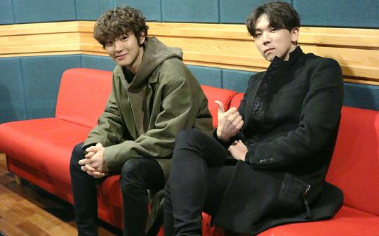 """Chanyeol de EXO y Junggigo lanzan romántica colaboración """"Let Me Love You"""""""