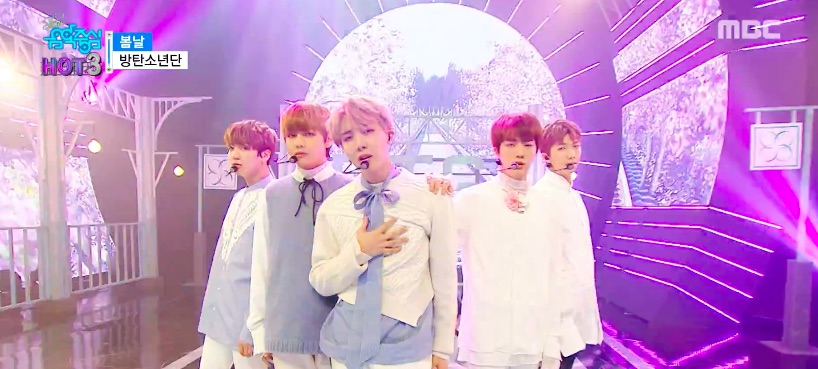 "BTS, TWICE y Red Velvet, entre otros, actúan en ""Music Core"""