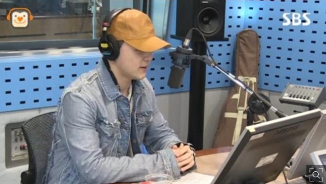 Dean elige su canción favorita entre todas las que ha hecho para otros artistas y comenta sobre su colaboración con Baek Yerin