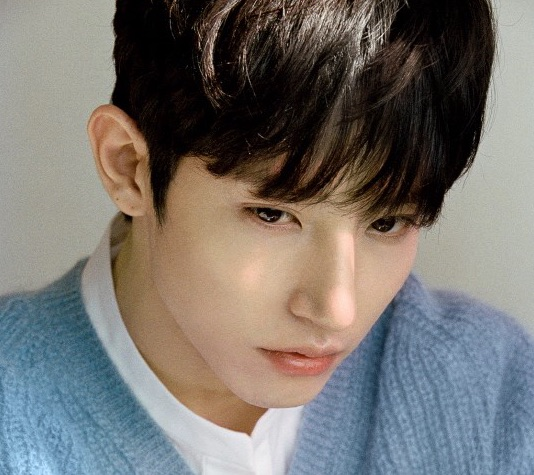 Lee Soo Hyuk se une oficialmente a YG Entertainment