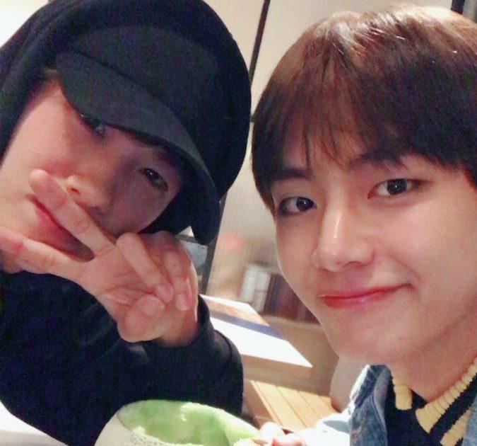 V de BTS y Park Hyung Sik comparten lindas fotos de su reunión