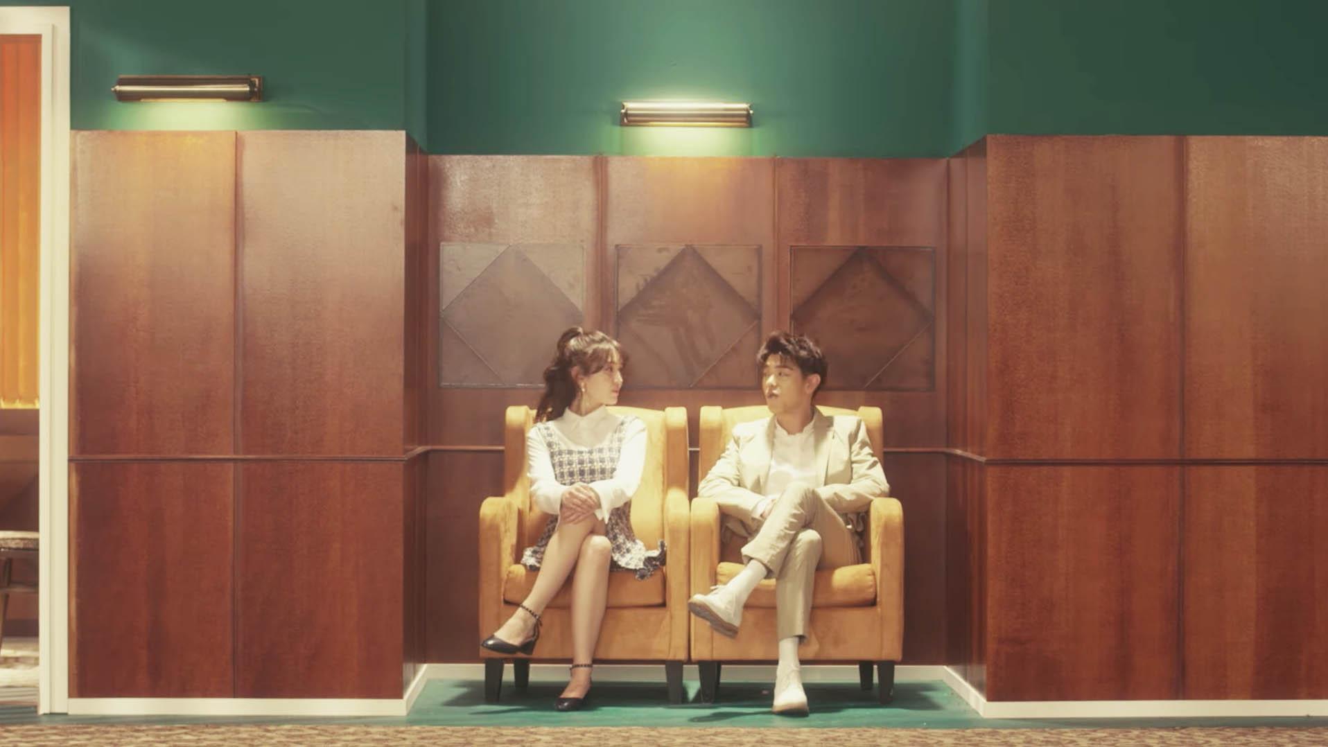 """Eric Nam y Jeon Somi preguntan """"You, Who?"""" en un lindo MV de estilo retro"""