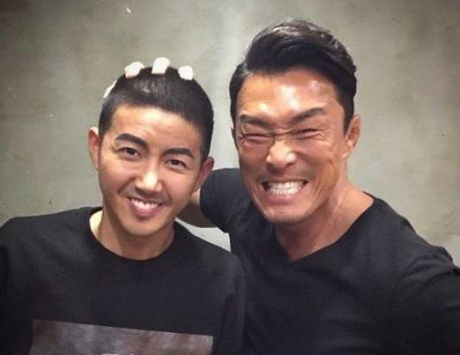 Kwanghee revela su cabeza rapada antes de marcharse al ejército