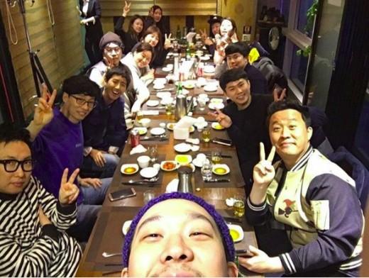 """Kwanghee se reune con los miembros de """"Infinite Challenge"""" una vez más antes de su alistamiento"""