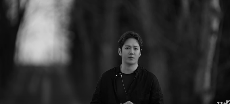 Hwanhee de Fly To The Sky captura melancólicas emociones en video teaser