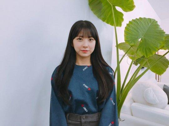 """La agencia de la concursante de """"Produce 101"""", Lee Soohyun, revela detalles sobre el próximo debut de su grupo femenino"""