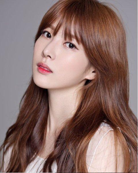 """Se revela que Lee Hae In, anterior concursante de """"Produce 101"""" y miembro de I.B.I, ha dejado su agencia"""