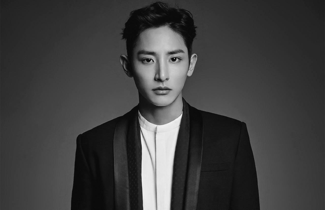 Lee Soo Hyuk sorprende a fans con nueva apariencia