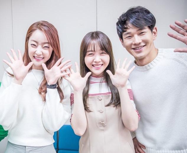 """Los co-protagonistas de """"Dear Fair Lady Kong Shim"""" son un ejemplo de amistad"""