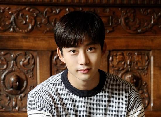 """Taecyeon de 2PM revela cómo es su duradera amistad con el elenco de """"Dream High"""""""