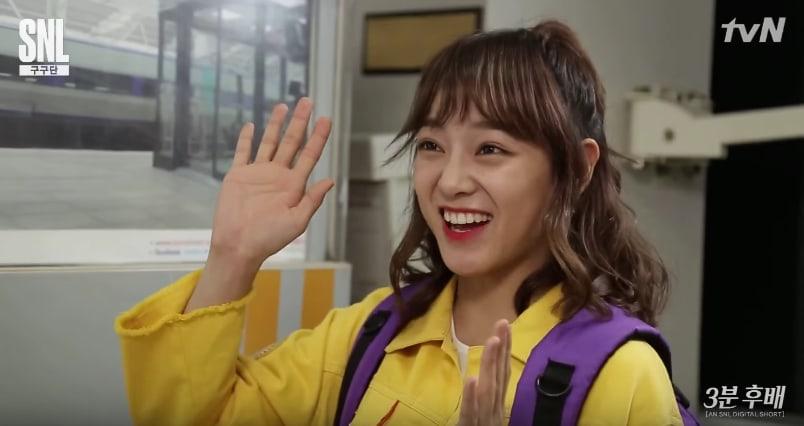 """Las integrantes de gugudan se convierten en juniors durante 3 minutos en """"SNL Korea 9"""""""