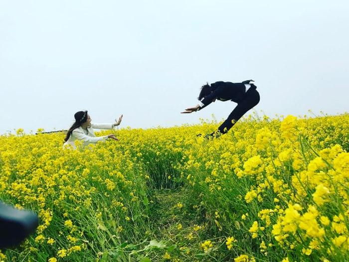 "Jung Hye Sung y Gong Myung revelan dulces y divertidas fotos de su boda para ""We Got Married"""