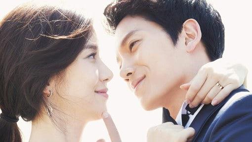Lee Bo Young y Ji Sung dominan la lista de las 8 parejas de celebridades con más éxito