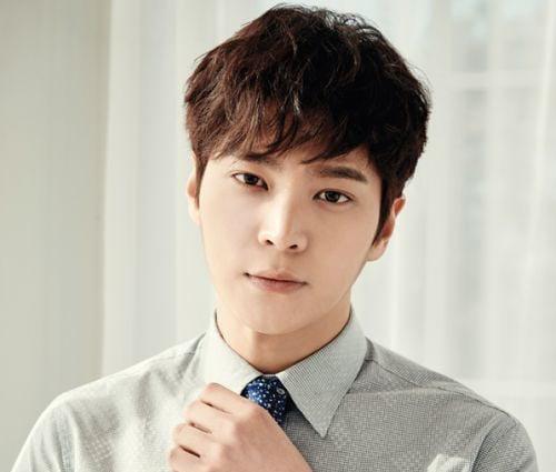 La agencia de Joo Won aborda los reportes del alistamiento oficial del actor en mayo