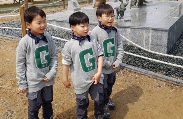Los trillizos Song hacen lo suyo en nueva foto de Song Il Gook