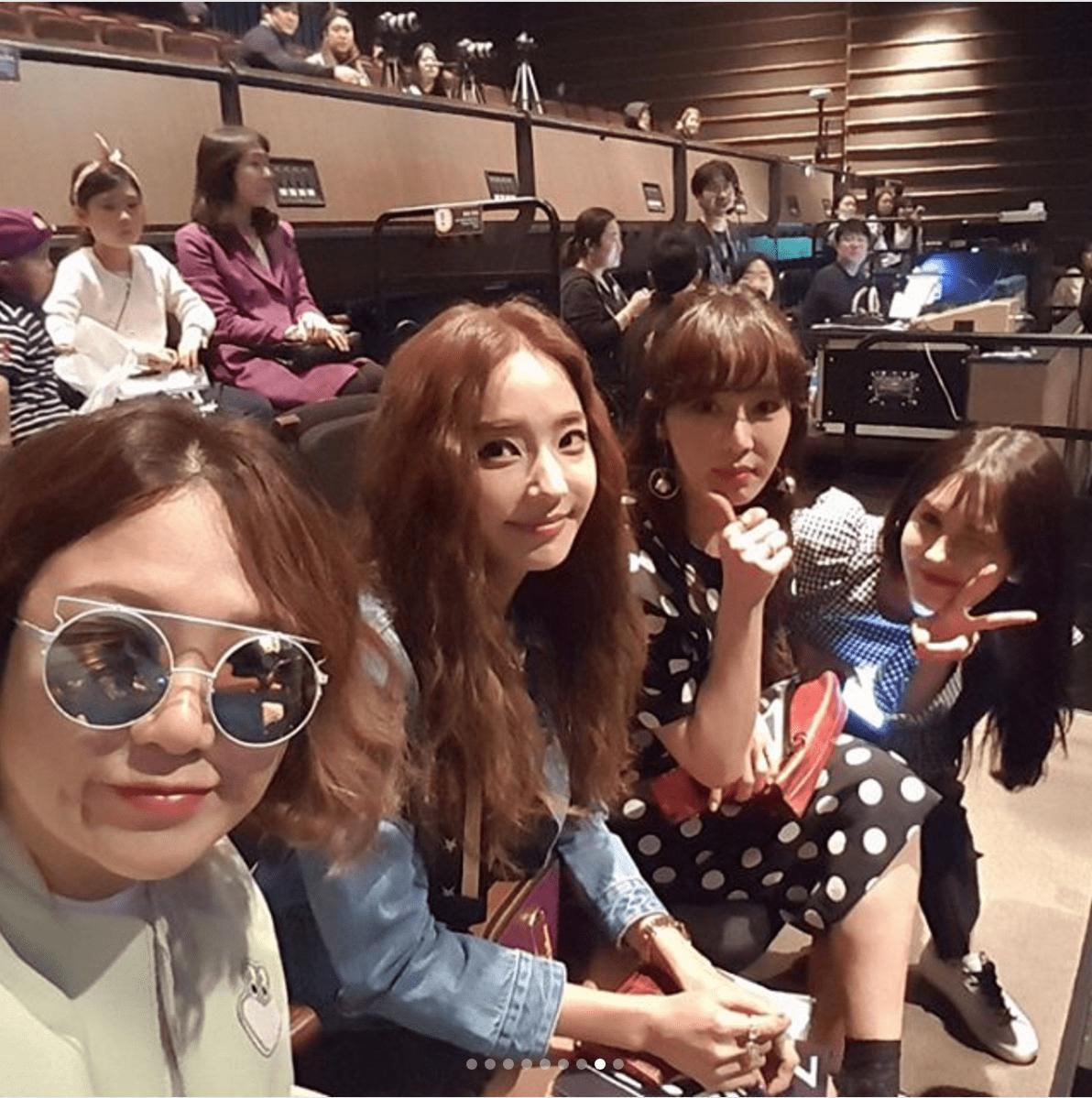 """El equipo de """"Sister's Slam Dunk Season 2"""" muestra apoyo en la actuación en solitario de Gong Minzy"""