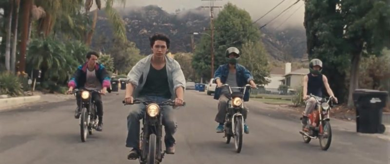 """Hyukoh lleva a los oyentes por un viaje en el vídeo musical para """"Leather Jacket"""""""