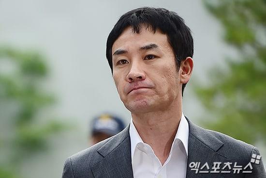 Mujer que acusó falsamente de agresión sexual a Uhm Tae Woong es sentenciada a prisión