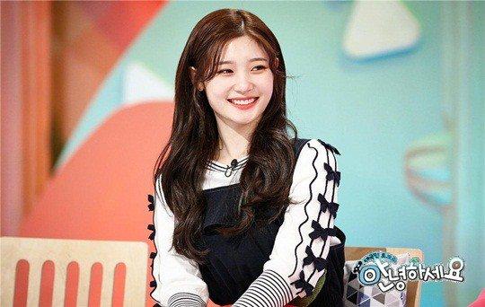 Huihyeon de DIA revela el inesperado hábito de su compañera de grupo Jung Chaeyeon
