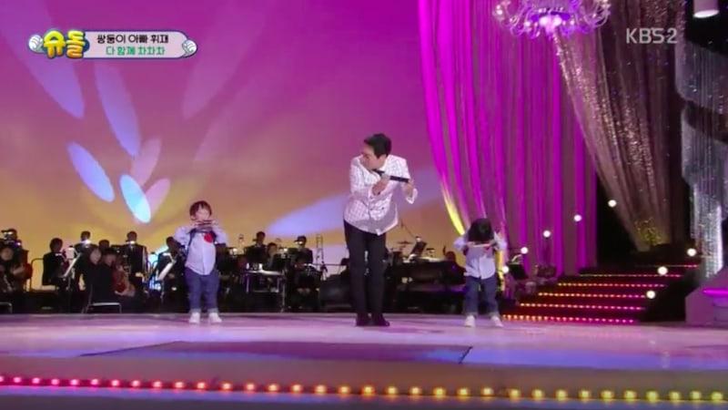 Lee Hwi Jae derrama lágrimas cuando su padre no reconoce a sus nietos en televisión