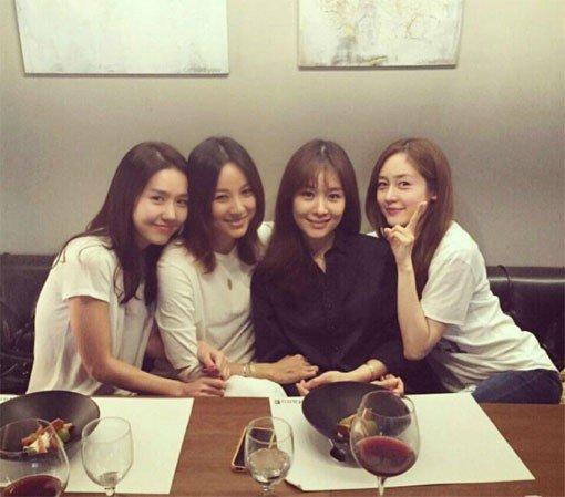 Ock Joo Hyun celebra el 19no aniversario de Fin.K.L en las redes sociales