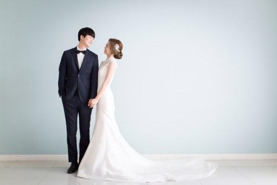 Son Sung Hee de Buzz escribe un mensaje de agradecimiento a los fans tras casarse con su novia