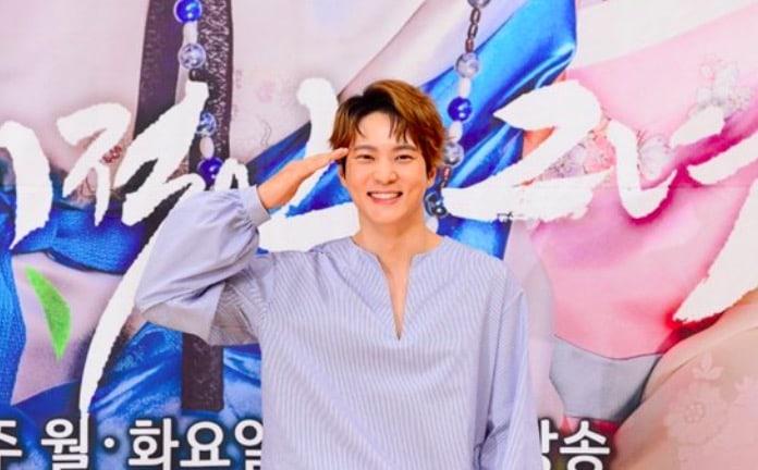 Joo Won comparte lo que BoA le dijo sobre su inminente alistamiento en el ejército