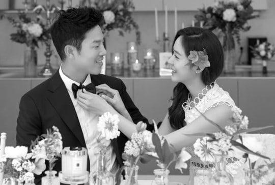 Se revela que Sung Yuri se casó en una ceremonia privada con el golfista Ahn Sung Hyun