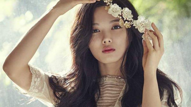 """Kim Yoo Jung está considerando un papel protagónico en el próximo drama """"School 2017"""""""
