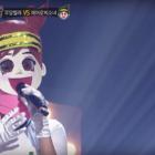 """Integrante de un grupo conocido por su talento vocal es revelada en """"King Of Masked Singer"""""""