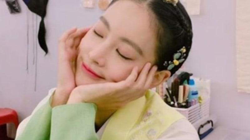 "Oh Yeon Seo luciendo hermosa en vestido tradicional para ""My Sassy Girl"""
