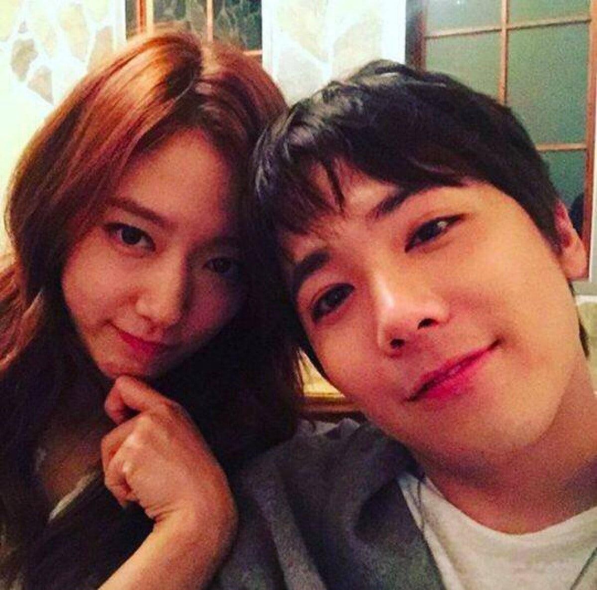 Park Shin Hye muestra de forma adorable apoyo por Lee Hong Ki de FTISLAND
