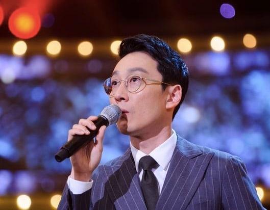 Lee Hwi Jae toma una acción legal firme contra los comentarios maliciosos sobre su padre