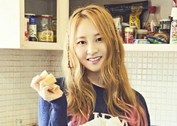 """Taeha de MOMOLAND se desmaya antes de """"Music Bank"""", es llevada a urgencias"""