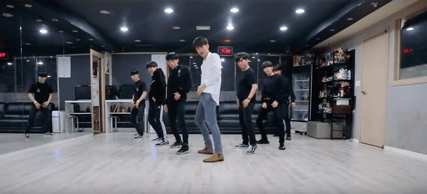 """Daehyun de B.A.P es todo carisma en el vídeo de la práctica de baile de """"Shadow"""""""