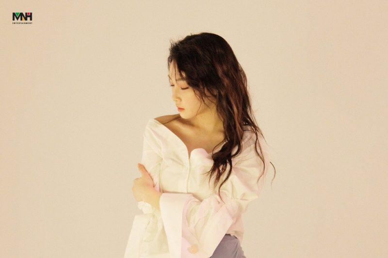 Kim Chungha responde a los comentarios sobre su cambiada apariencia