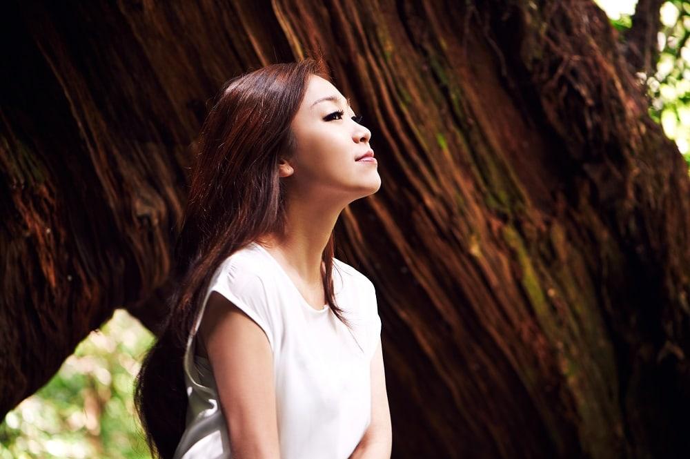 La cantante Park Jung Hyun (Lena Park) se casará en julio
