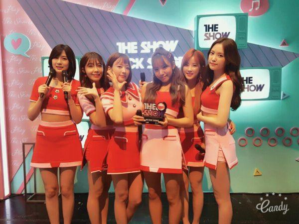 """Apink se lleva su 1era victoria con """"Five"""" en """"The Show""""; presentaciones de MAMAMOO, NCT 127, UP10TION y más"""