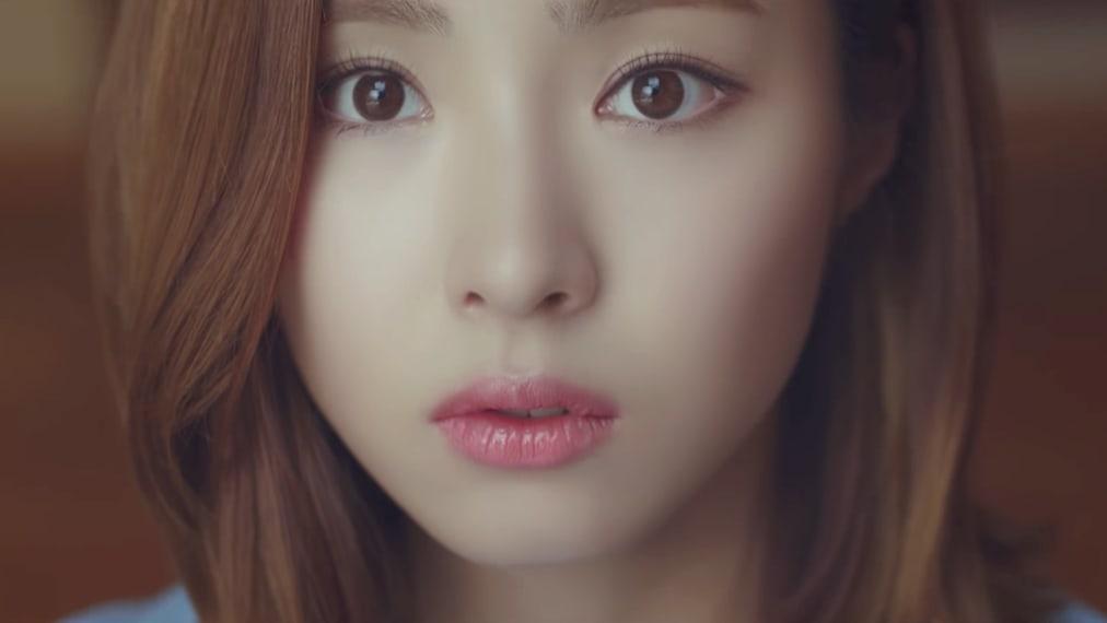 """Younha publica MV por el remake de """"Take Five"""" de Seo Taiji junto a Shin Se Kyung"""