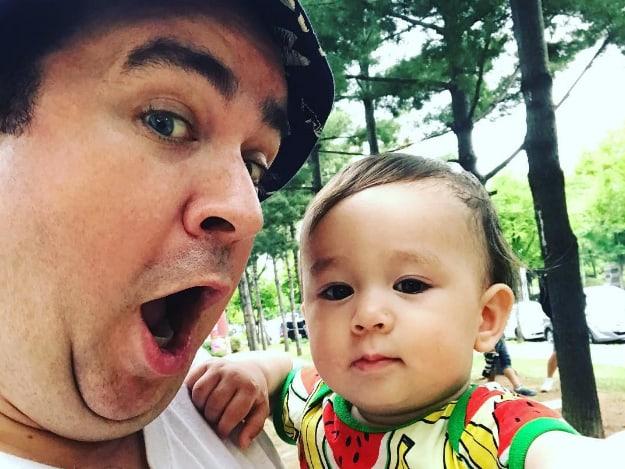 Sam Hammington habla acerca de que su hijo William sea más popular que él
