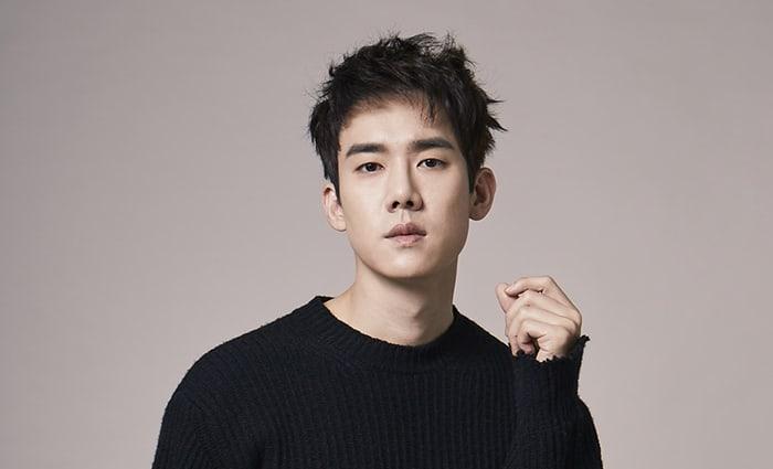 """Yoo Yeon Seok hace una dramática transformación para su papel en el musical """"Hedwig And The Angry Inch"""""""