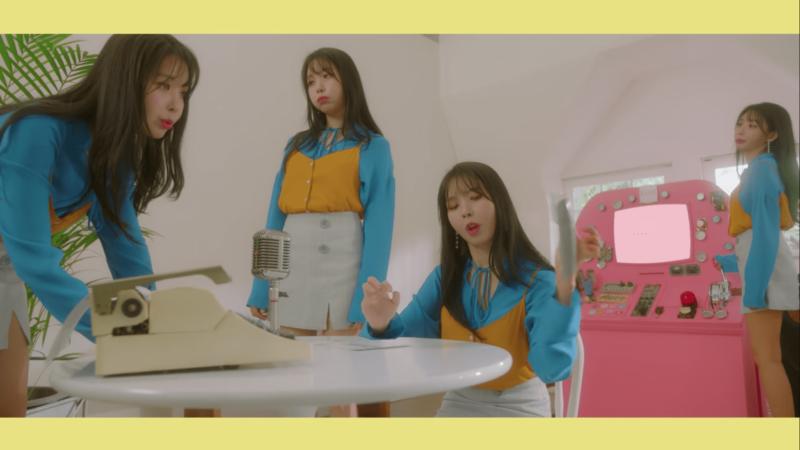 """Raina revela caprichoso video-teaser para """"Loop"""" y presenta a Aron de NU'EST"""
